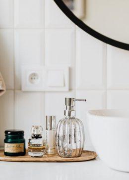 Łazienka w stylu glamour – czy musi być kosztowna?