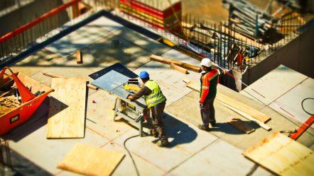 Otwierasz firmę budowlaną? Sprawdź, w co powinieneś się zaopatrzyć